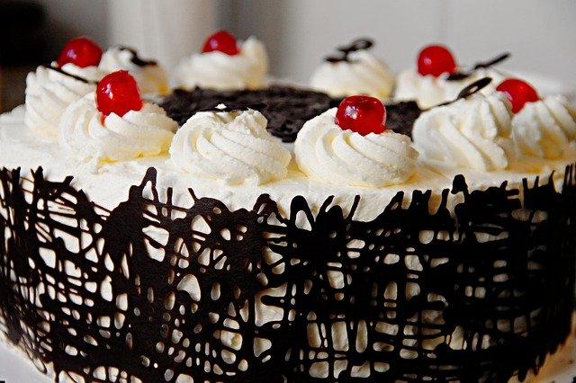 עוגות יומולדת מעוצבות למבוגרים